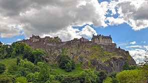 Edinburgh Castle Image by Kevin Phillips from Pixabay